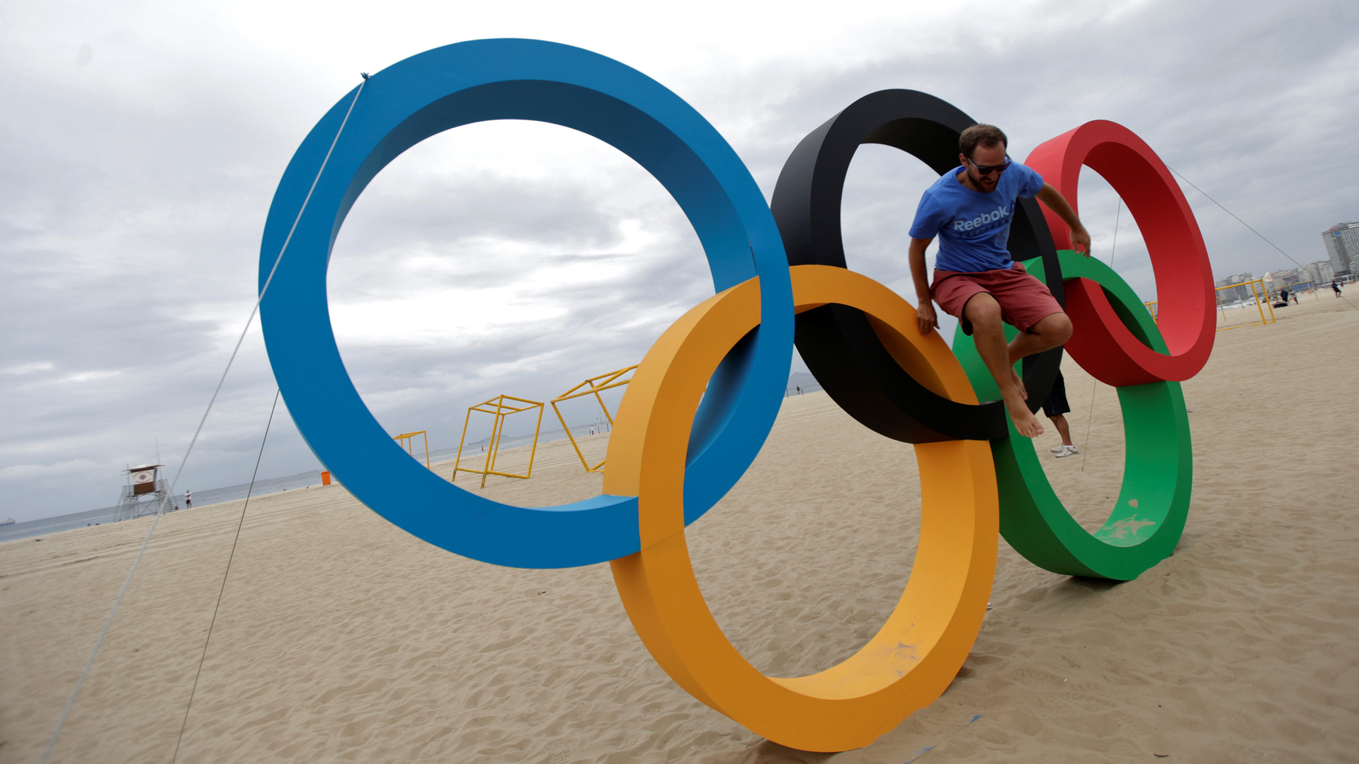 Читатели западных СМИ: Настал конец олимпийскому духу