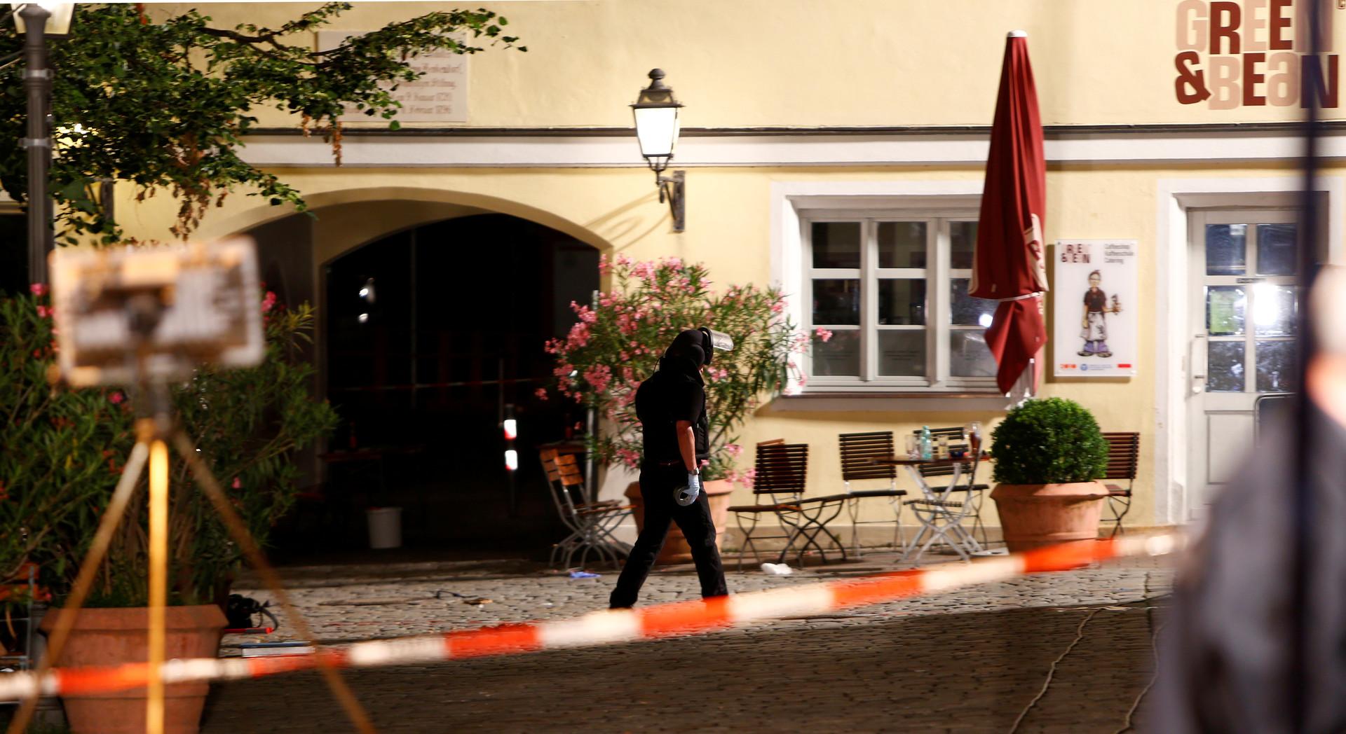 МВД Баварии: Сирийцу, подозреваемому во взрыве в Ансбахе, ранее отказали в статусе беженца