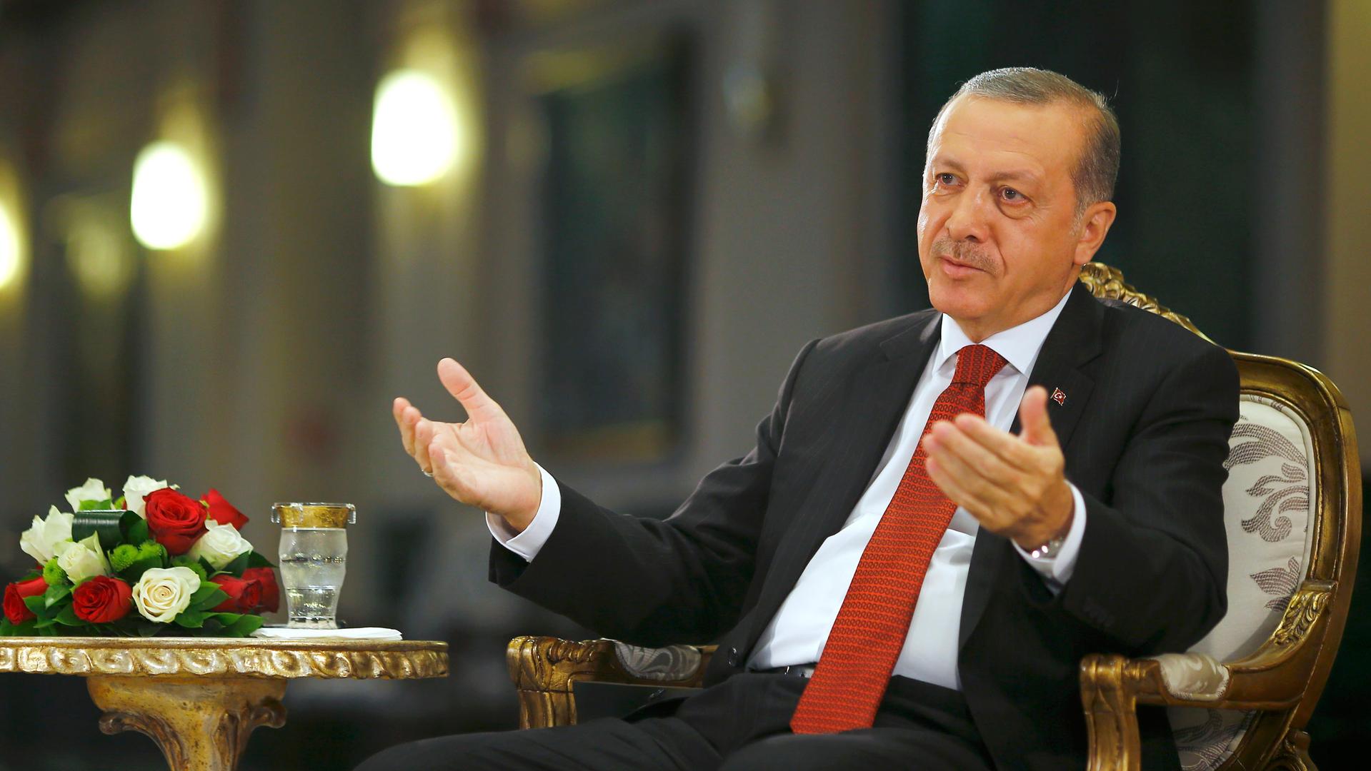 Как подавить мятежные настроения: 5 рецептов от Реджепа Эрдогана