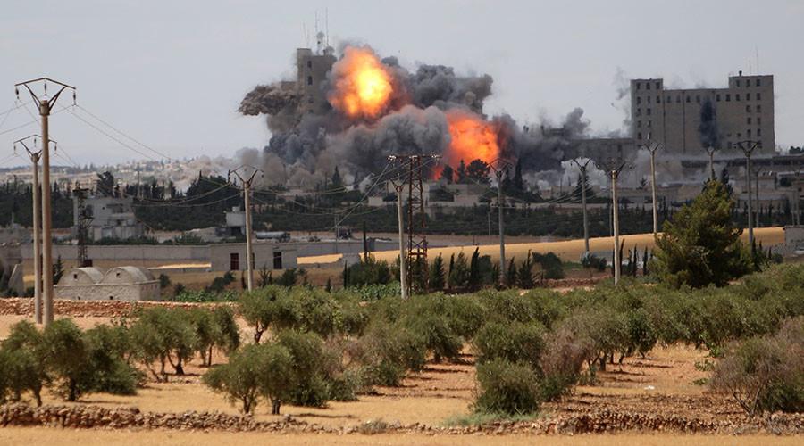 СМИ: В результате авиаудара США по Манбиджу погибли 45 мирных жителей