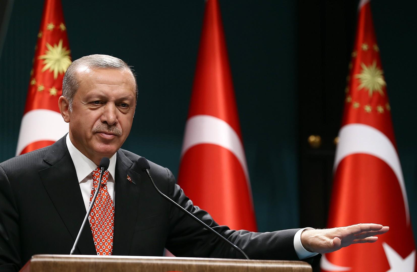 Эрдоган решил отозвать все иски об оскорблениях в свой адрес