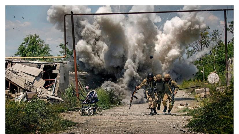 Стоп, кадр: Минобороны Украины уволило автора постановочных фото из Донбасса