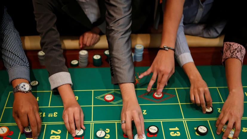 Доклад: Руководство Пентагона игнорирует растраты сотрудников в казино и стрип-барах