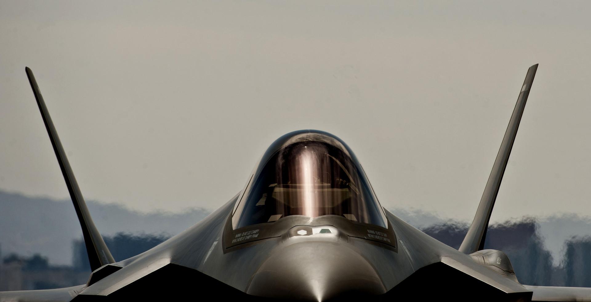 Несмотря ни на что: американские военные заявили, что истребитель F-35А готов к бою