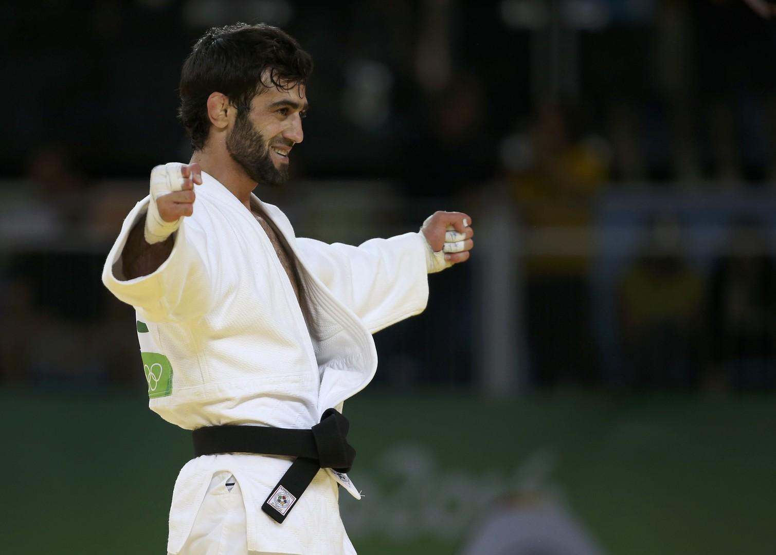 Дзюдоист Беслан Мудранов приносит России первое золото на Олимпиаде в Рио.