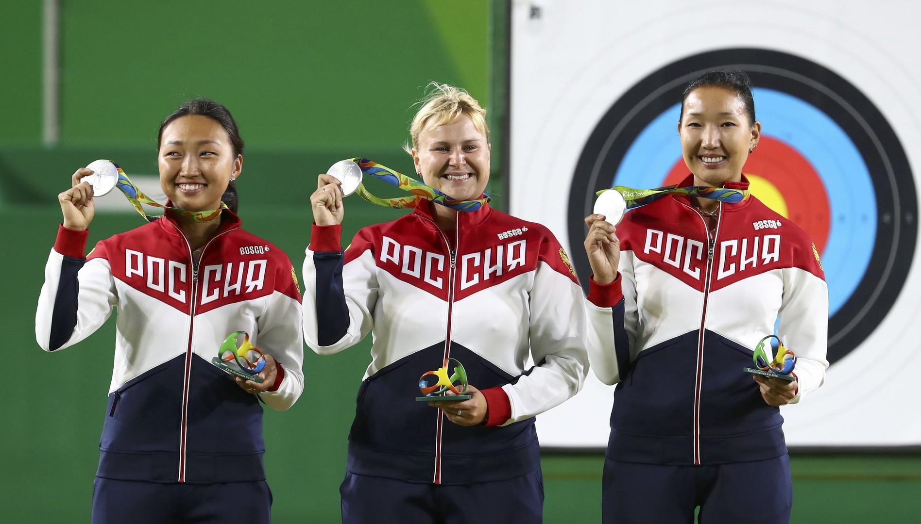 Женская сборная России по стрельбе из лука завоевала серебро Олимпиады в Рио