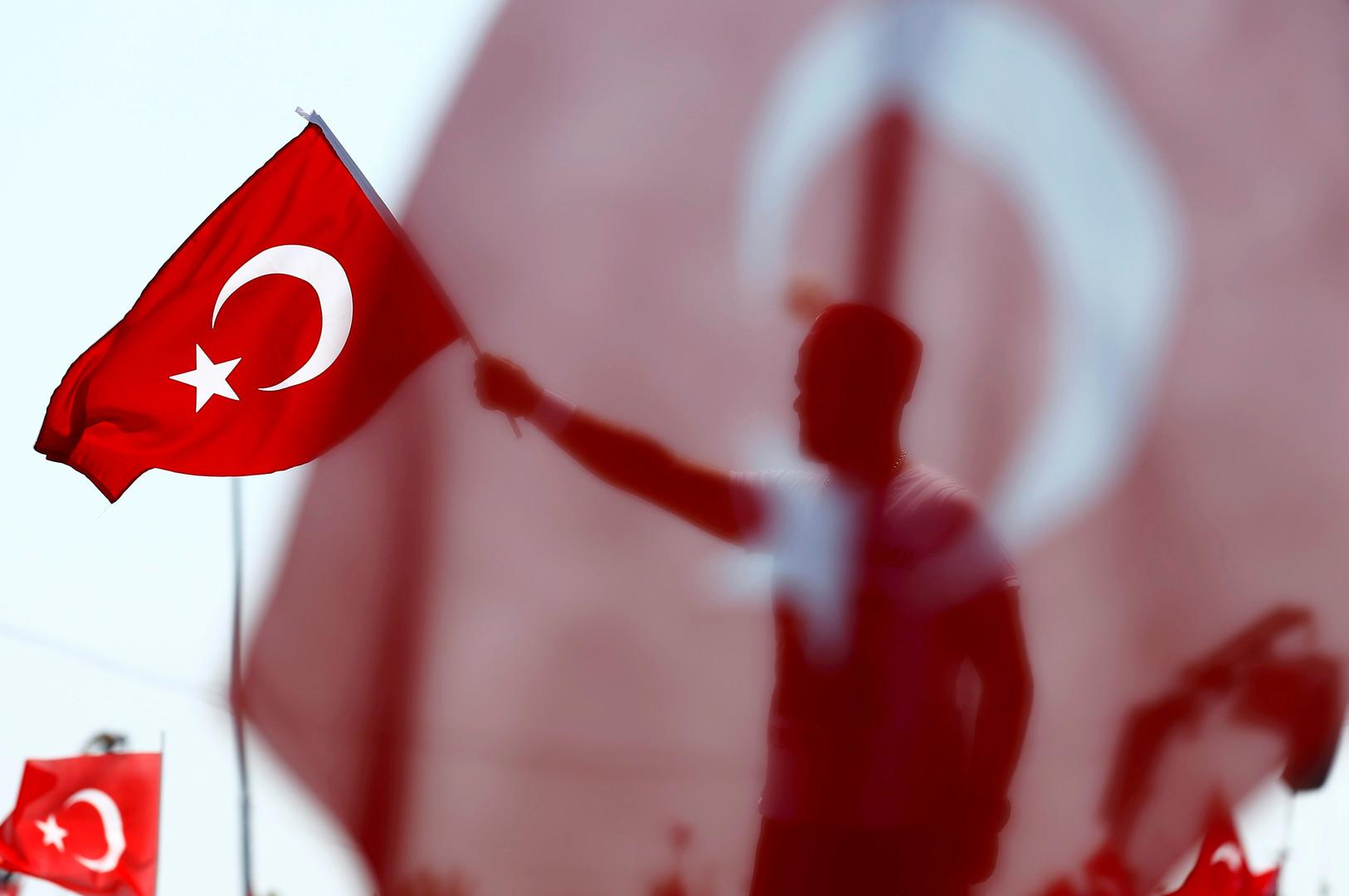 Le Monde: Эрдоган поставил Россию в пример «неискреннему» Западу