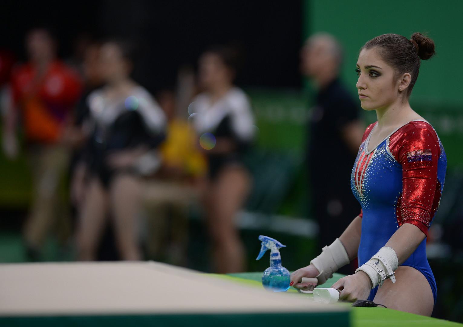 Российские гимнастки завоевали серебро в командном многоборье в Рио