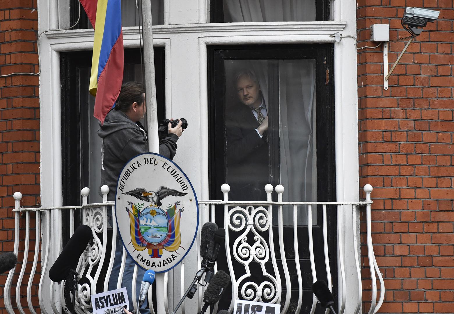 Эквадор разрешил Швеции провести допрос Джулиана Ассанжа