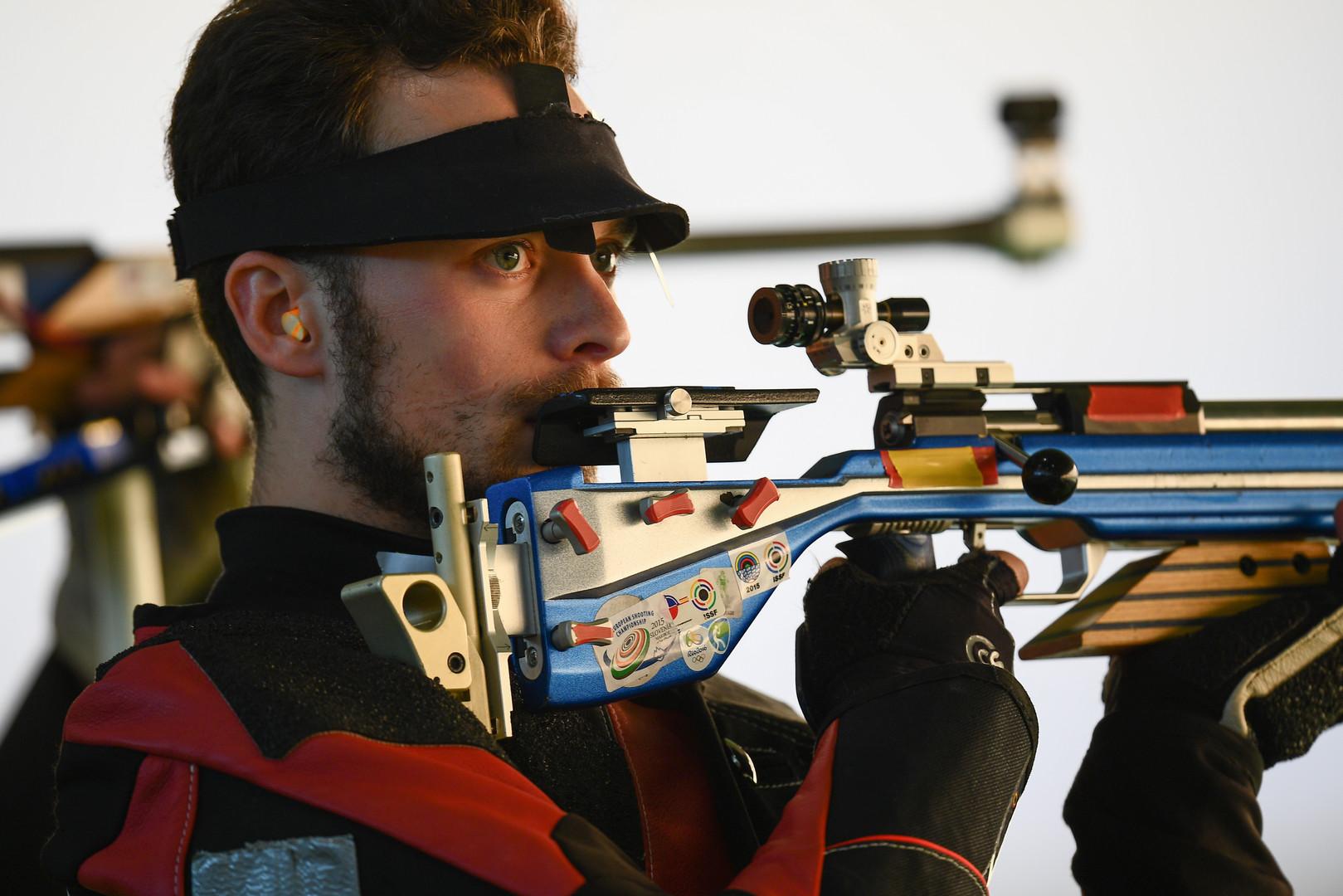 Россиянин завоевал серебро на соревнованиях по стрельбе из винтовки в Рио