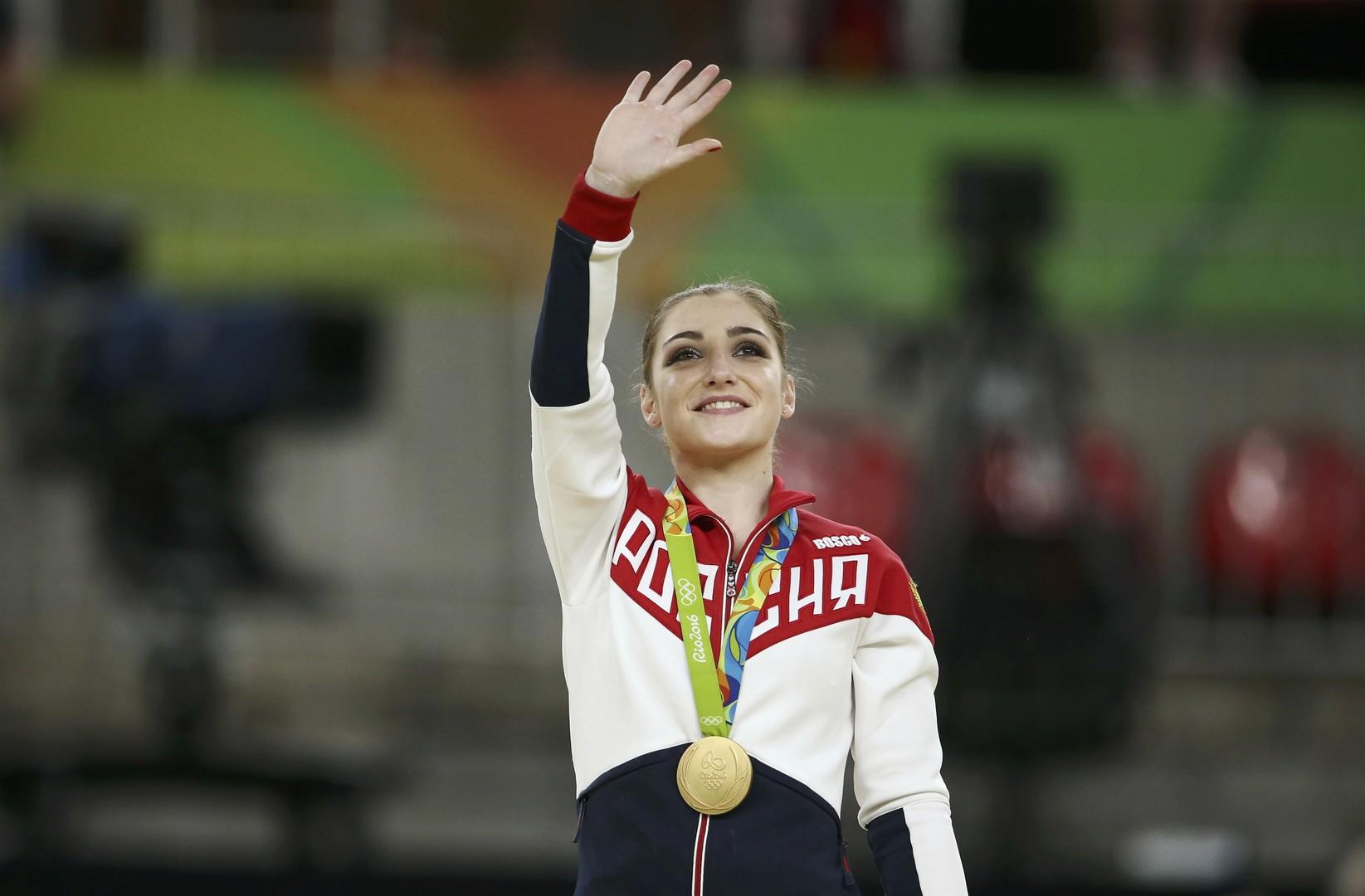 Алия Мустафина завоевала золото на разновысоких брусьях на Олимпиаде в Рио