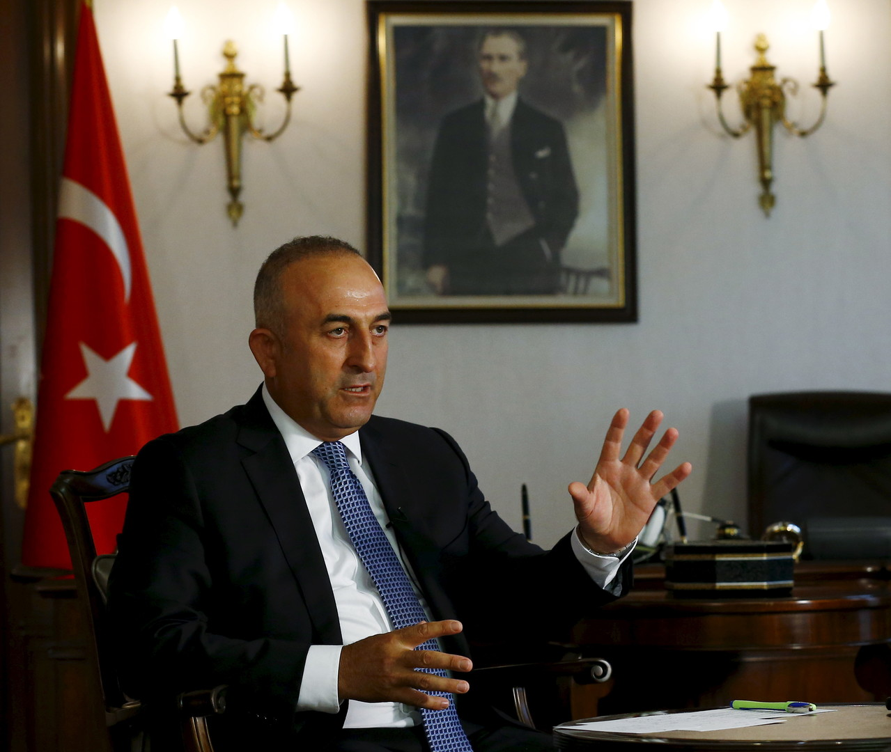 Или отмена виз, или мигранты: глава МИД Турции поставил ЕС перед выбором