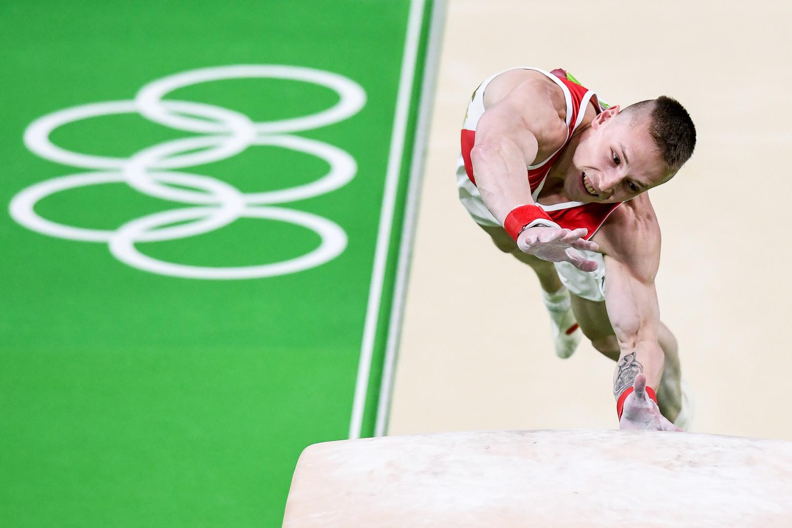 Денис Аблязин выиграл серебро Олимпиады в опорном прыжке