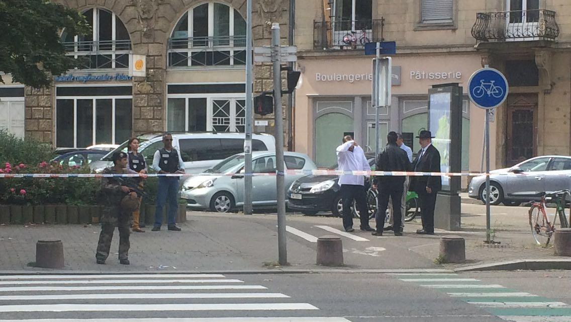 В Страсбурге неизвестный с криком «Аллах акбар!» напал на еврея-ортодокса