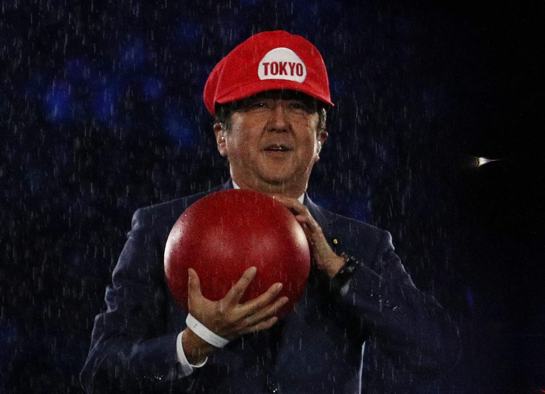 Пользователей соцсетей удивил Супер Марио на церемонии закрытия Олимпиады в Рио