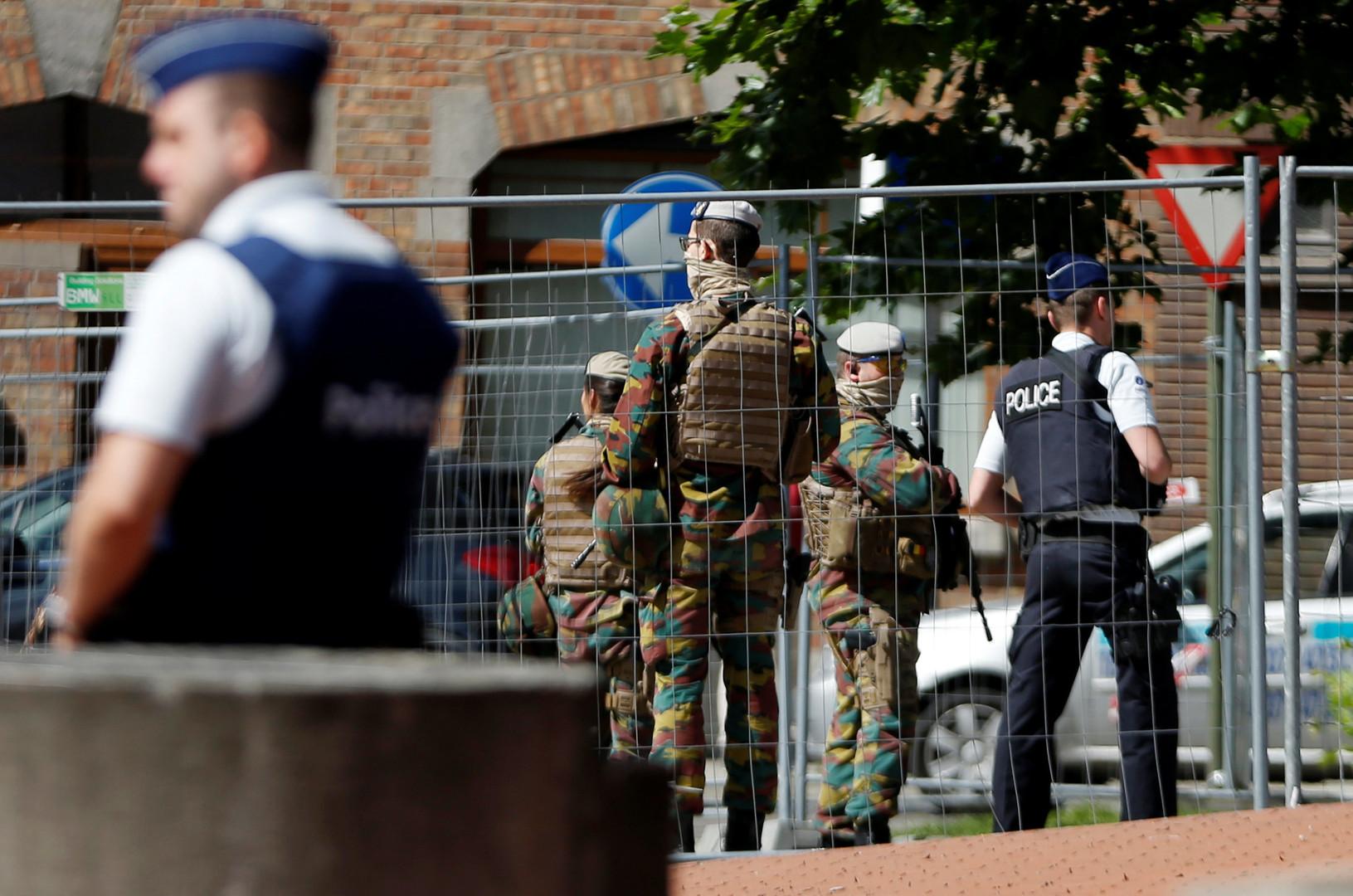 Женщина с ножом напала на прохожих в Брюсселе, есть раненые