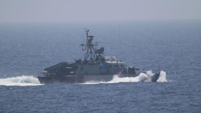 Источник: ВМС Ирана вынудили патрульный корабль США изменить курс
