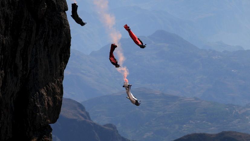 ВЧечне бойцов спецподразделений обучат прыжкам ввингсьюте— Крылатый десант