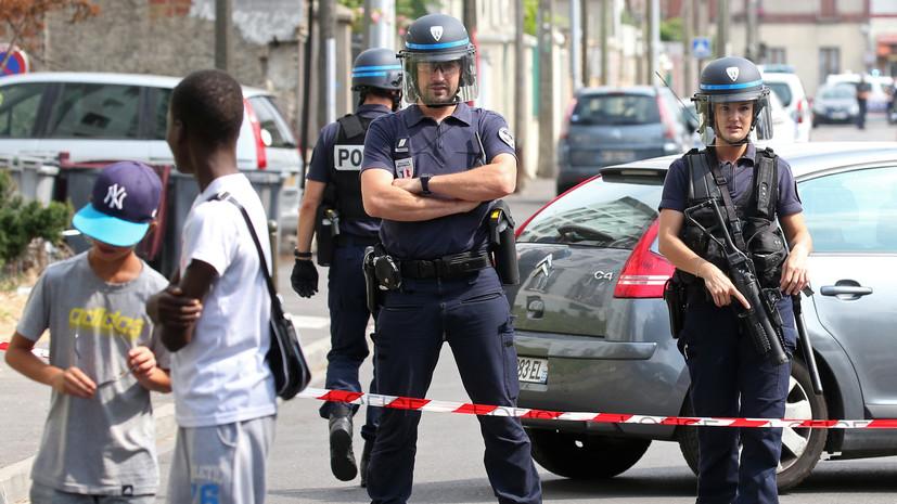 Подозреваемые вподготовке теракта рядом сНотр-Дамом предстали перед судом