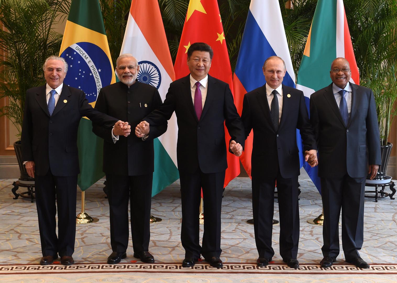 Неформальная встреча лидеров стран БРИКС (Бразилия, Россия, Индия, Китай, ЮАР) перед началом саммита G20 в китайском Ханчжоу