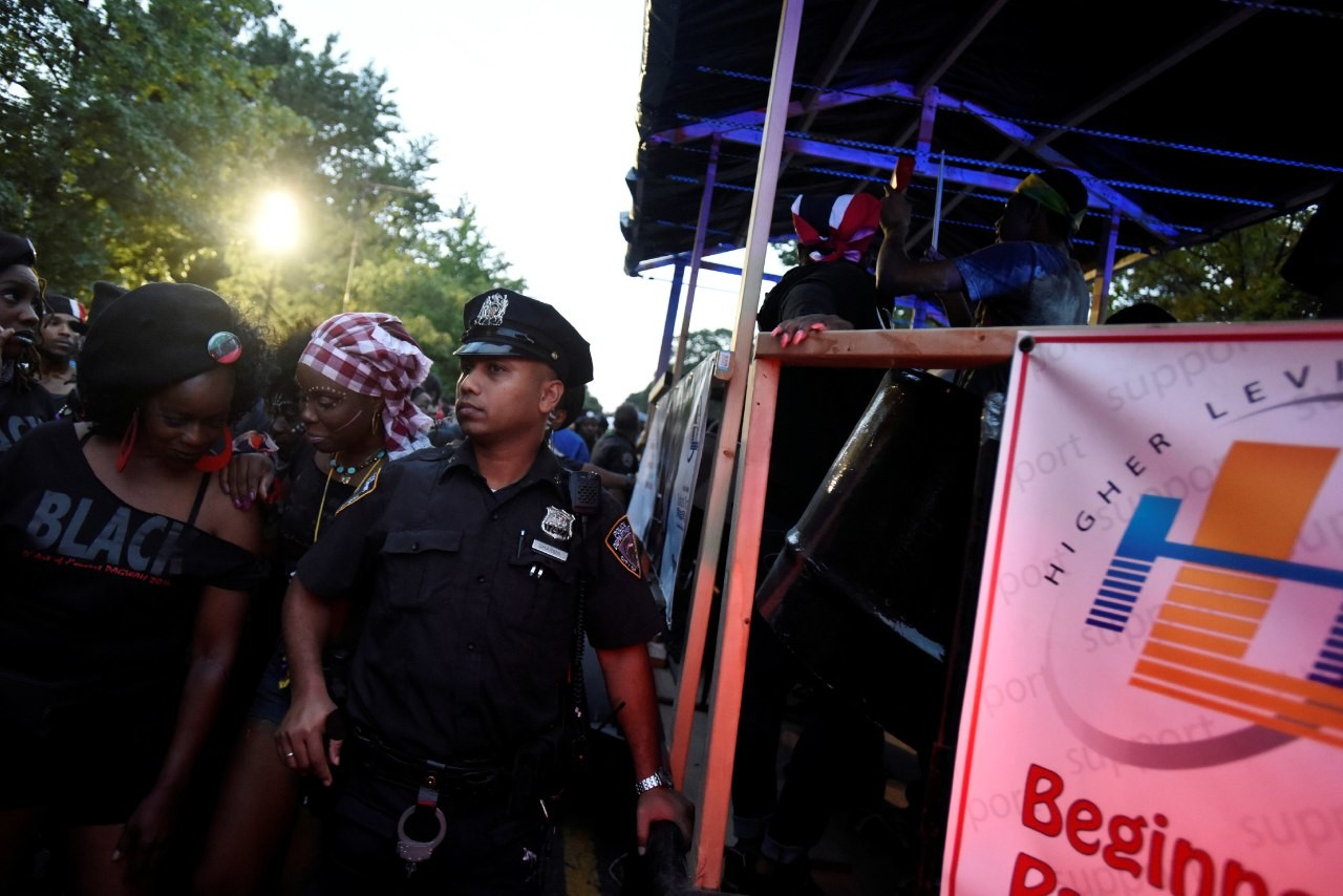 На уличном фестивале в Нью-Йорке произошла стрельба, двое погибли