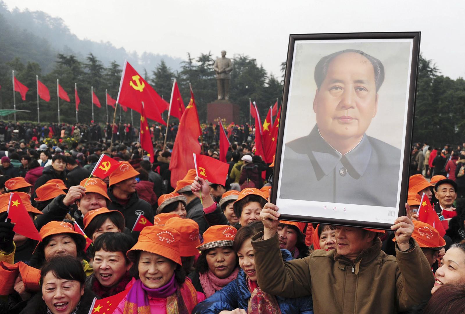 Дедушка умер, а дело живёт: 40 лет назад не стало Мао Цзедуна
