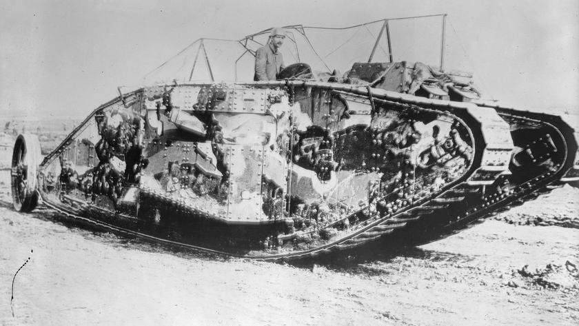 Огнём и сталью: 100 лет назад в бой пошли первые танки