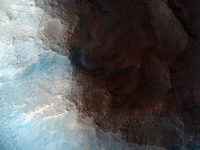 Область Цидония (Cydonia) с «Лицом на Марсе» глазами камеры HiRISE