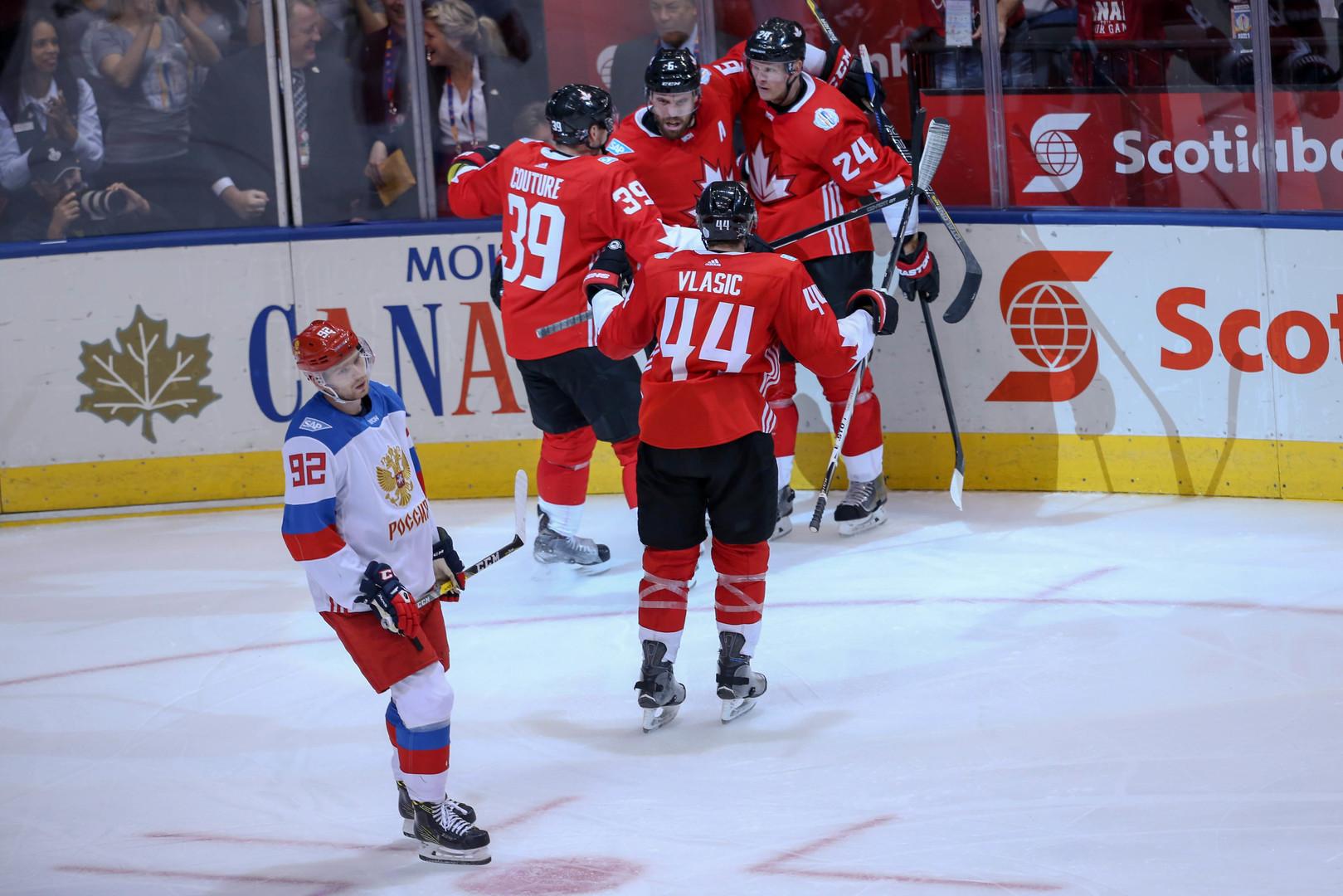 Канада обыграла Россию в полуфинальной встрече Кубка мира по хоккею