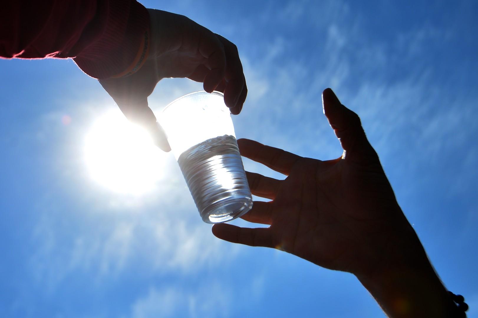 В Сочи и на Байкале могут запретить пластиковые стаканы и пакеты