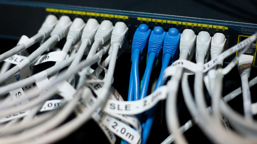 «Алтайский хакер» — RT: ФБР не интересуется нашими данными о взломе серверов Демпартии США