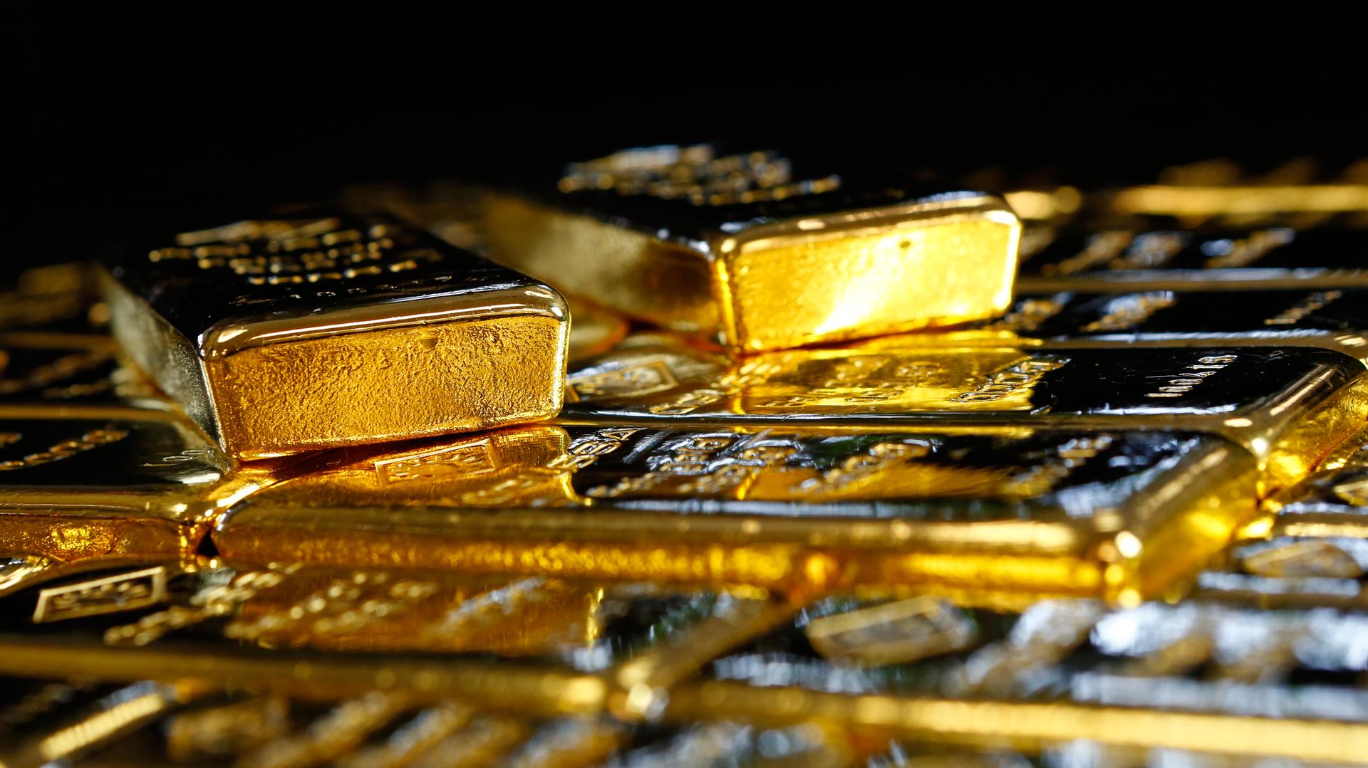 Альпийский клад: миллиардеры из США прячут золото в бункерах Швейцарии