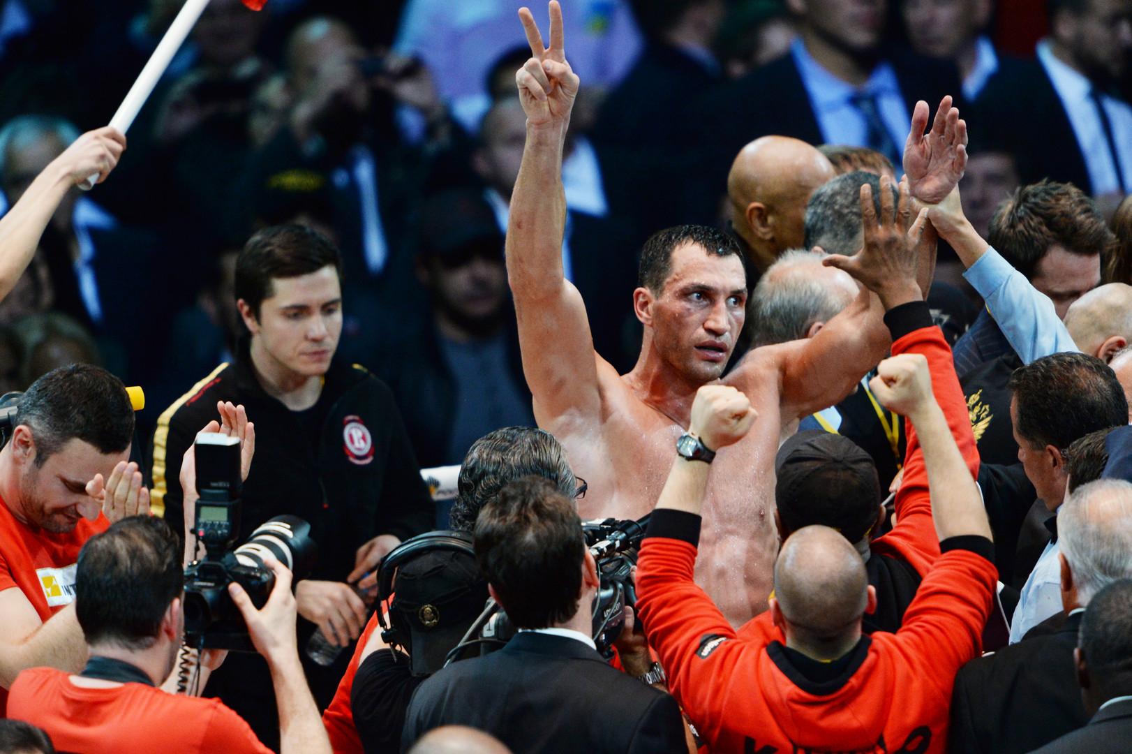Игры престолов: Кличко и Джошуа оспорят вакантный титул Фьюри