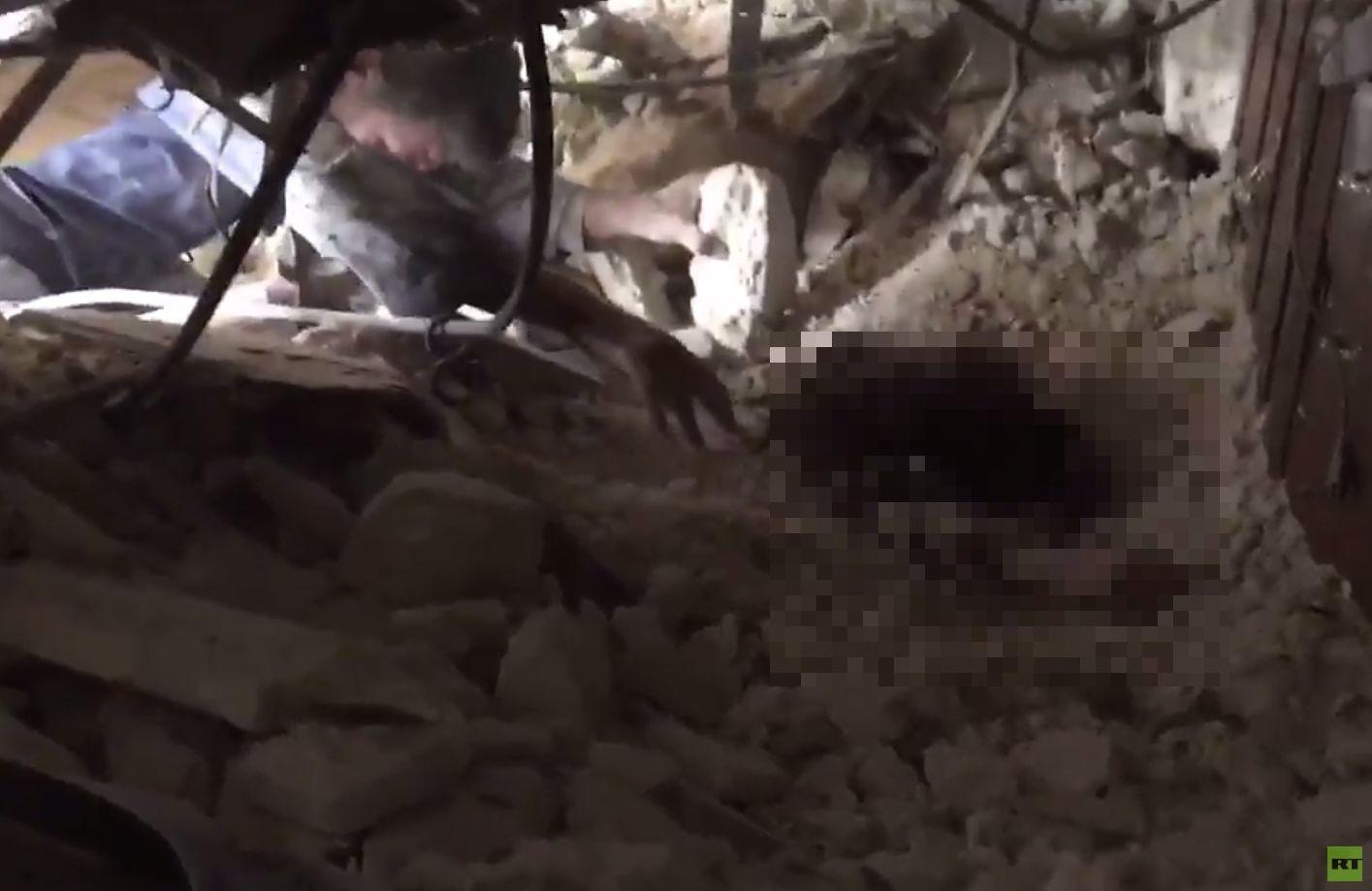 С линии огня: корреспондент RT о новых обстрелах Алеппо боевиками