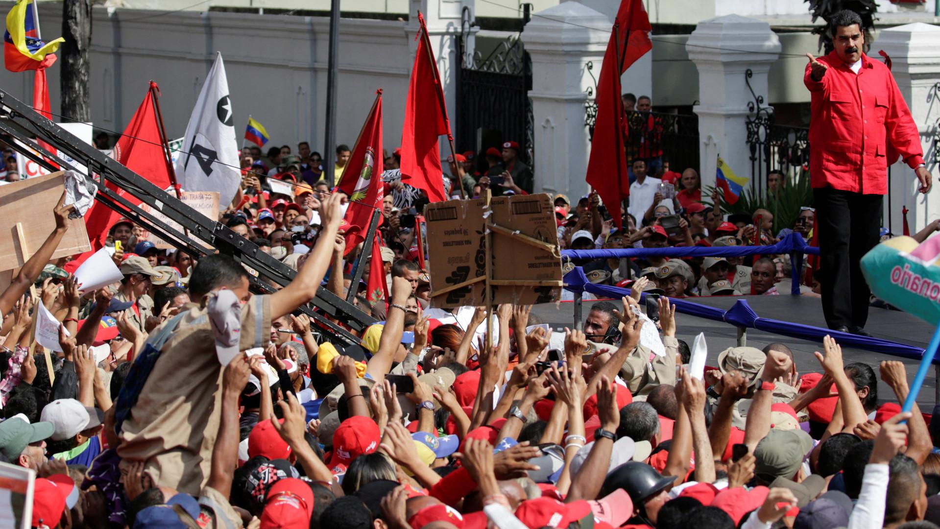 Импичмент, которого нет: почему президенту Венесуэлы нельзя законно выразить недоверие