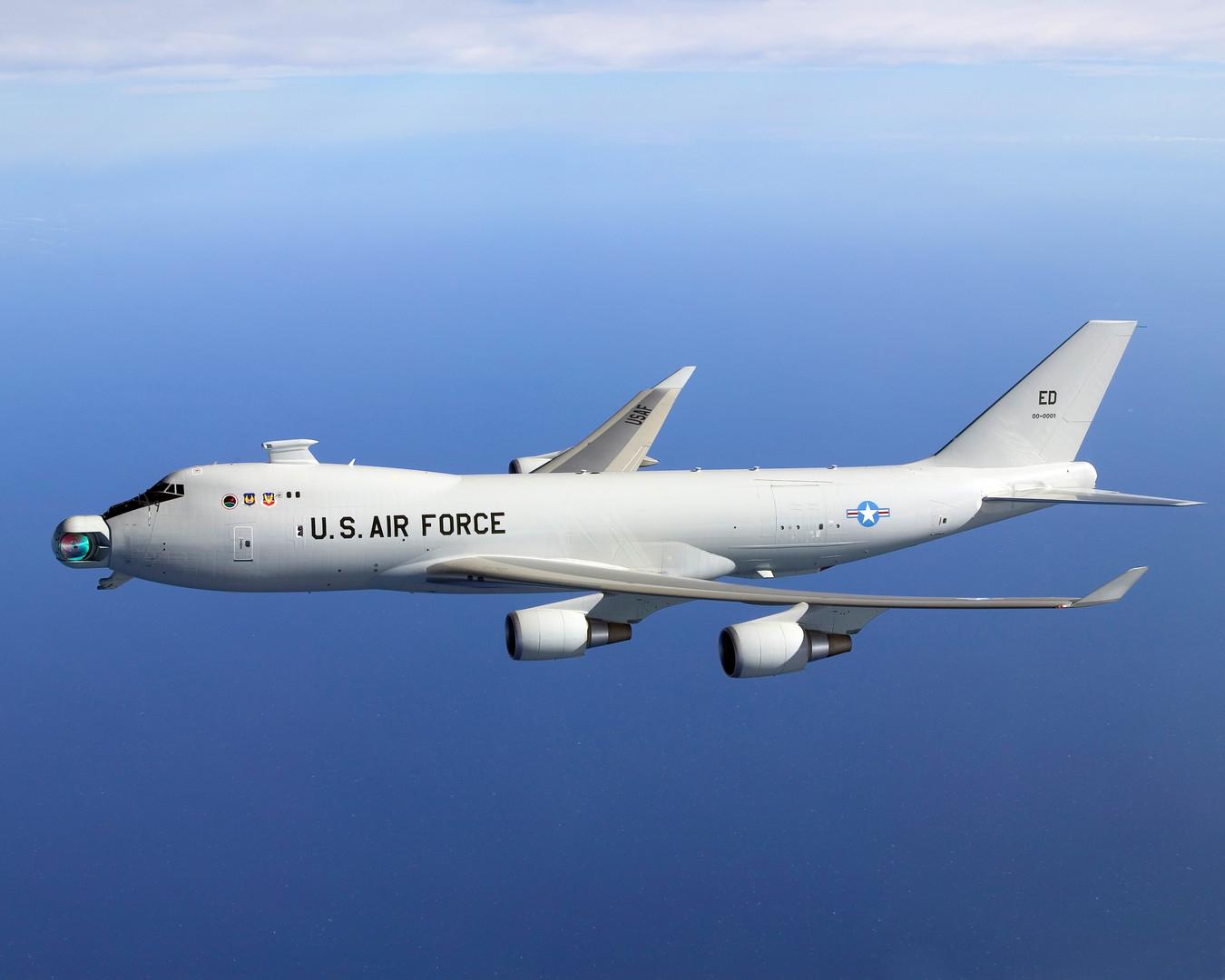 Самолёт Boeing YAL-1 с лазерной установкой