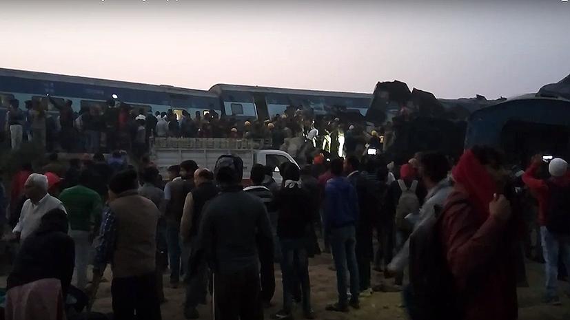 Крушение поезда в Индии: около 90 человек погибли, 150 ранены