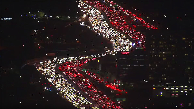 Спасибо пробкам не сказали: как День благодарения вызвал рекордный коллапс в Лос-Анджелесе