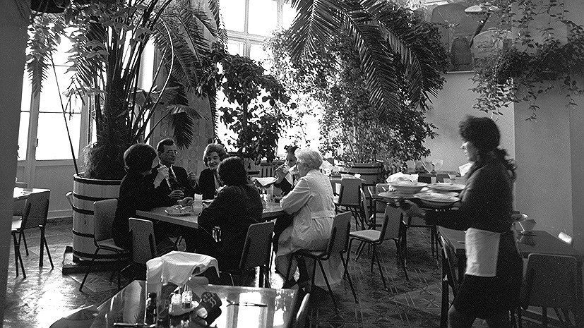 Русский борщ из молдавского концентрата: как в СССР положили начало ресторанному бизнесу