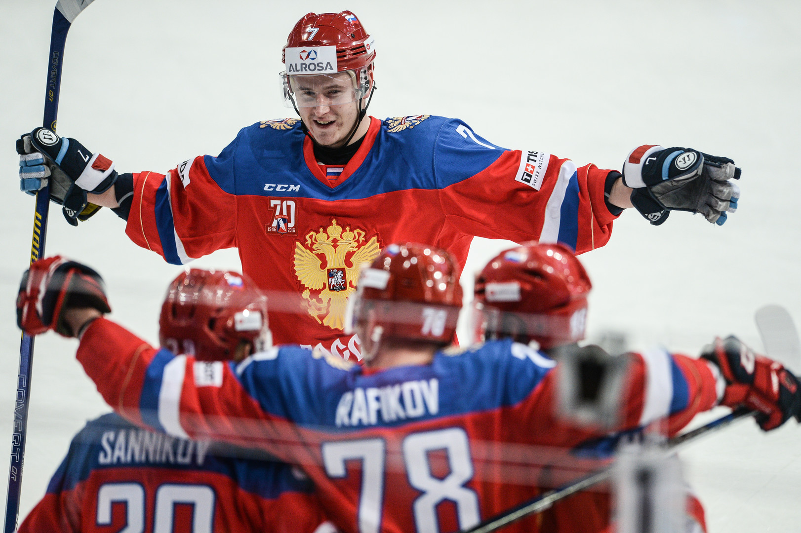 Падение шведской стенки: сборная России по хоккею одержала вторую победу на Кубке Карьяла
