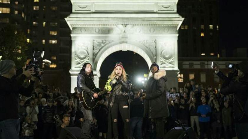 Хиллари выпускает тяжёлую артиллерию: Мадонна устроила концерт в честь Клинтон