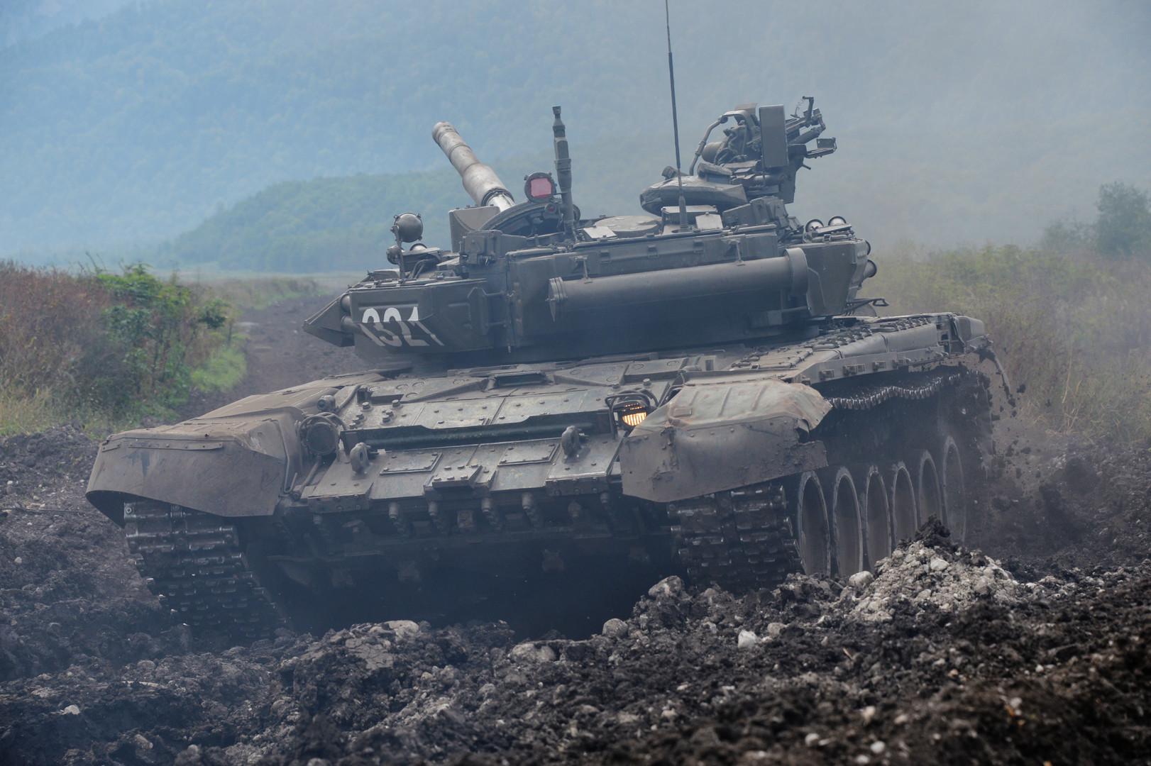 Танки берут рынки: чем объясняется желание стран Азии закупать у России оружие