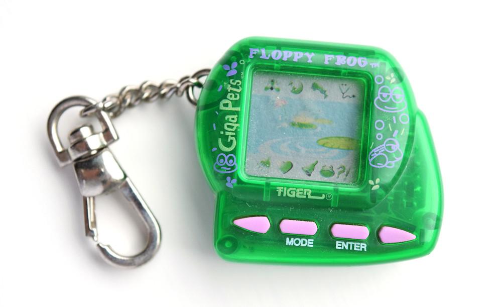 Тест RT к двадцатилетию «Тамагочи»:  во что ещё играли в 90-е ?