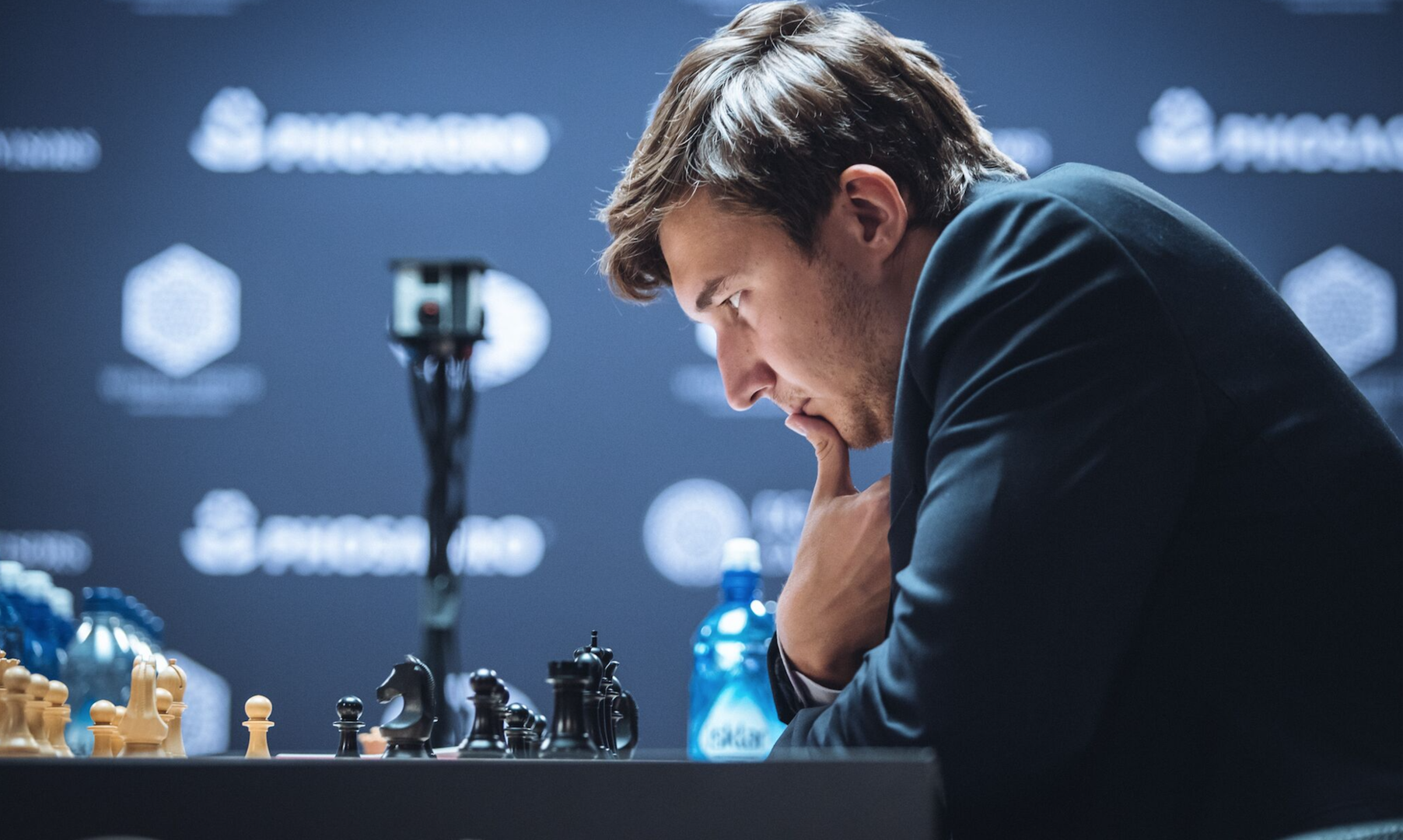 Превышенное давление: Карякин проиграл Карлсену в 10-й партии матча за шахматную корону