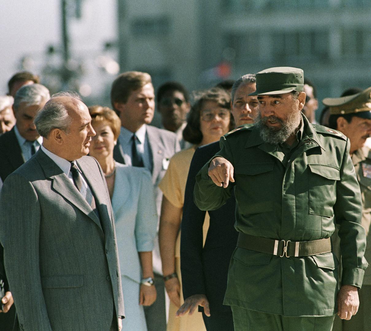 Жизнь Фиделя Кастро в фотографиях (фотогалерея) - page 2 | 1080x1209
