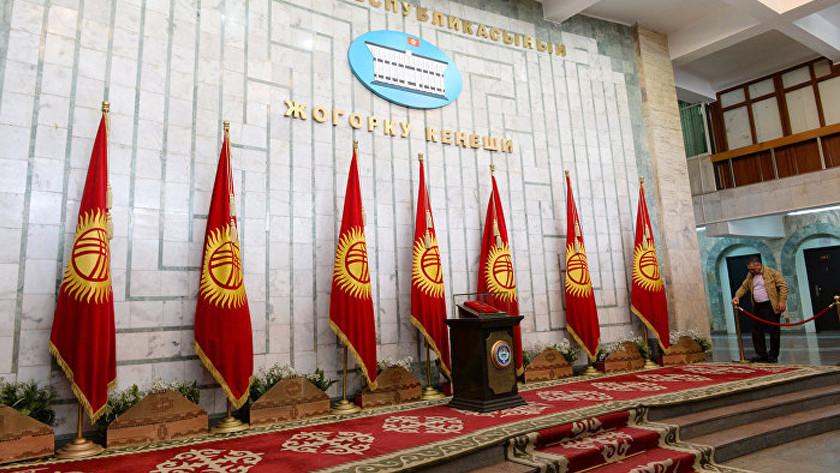 Референдум ивыборы вКиргизии проходят вспокойной обстановке— МВД
