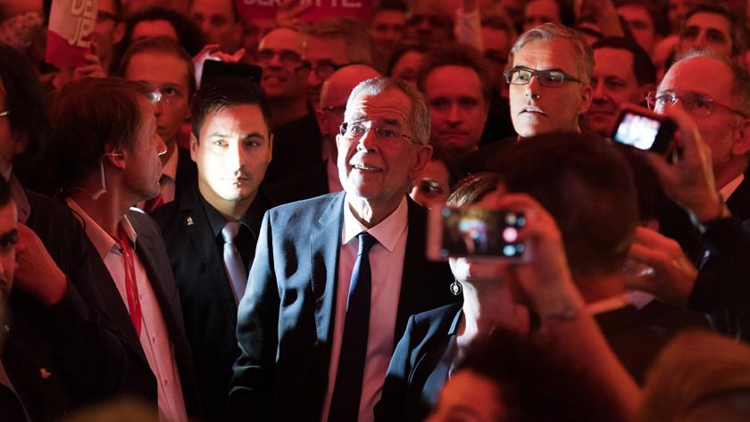 «Мы испугались радикального Хофера»: австрийцы о новоизбранном лидере страны