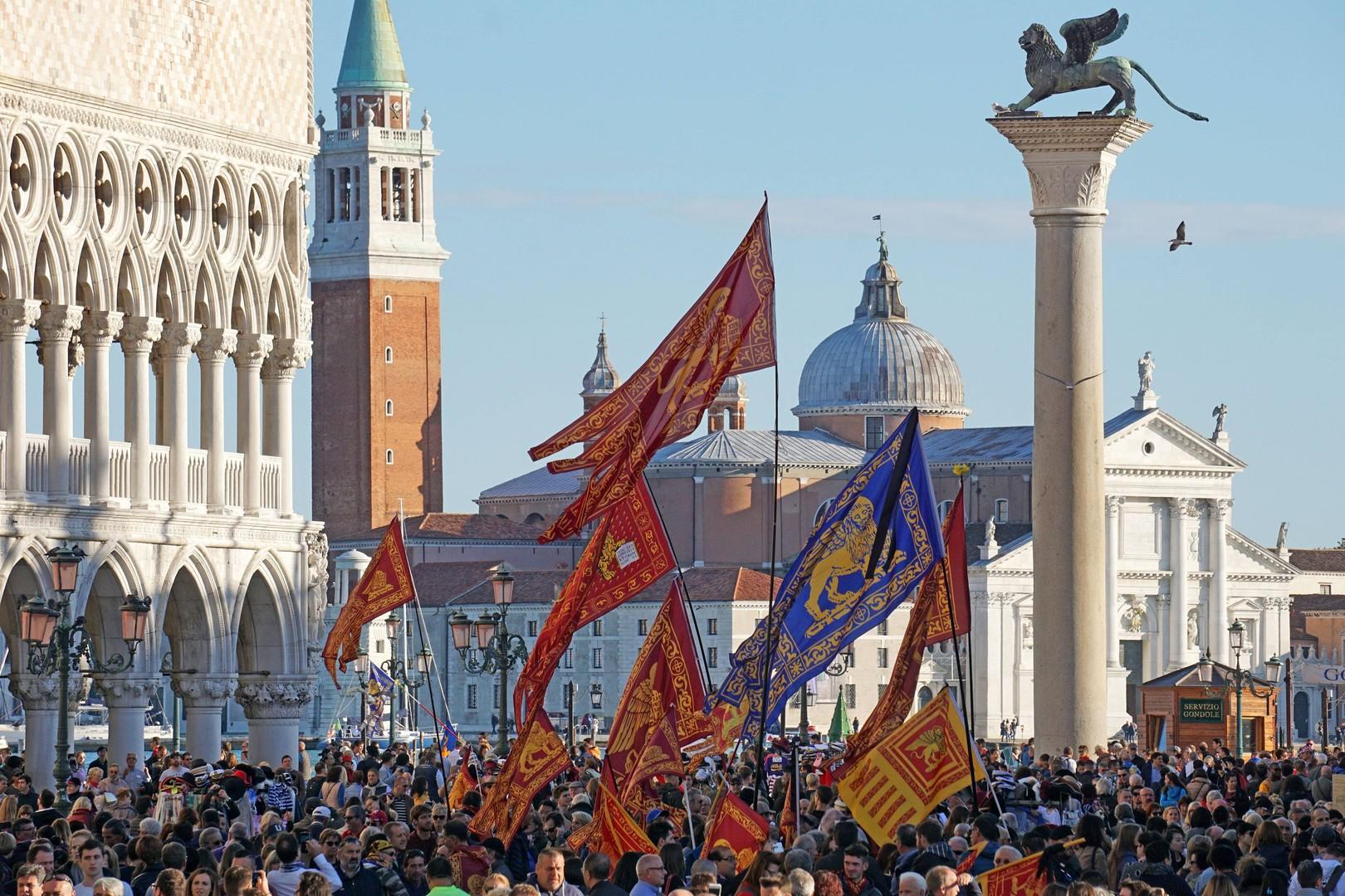 Развод по-итальянски: почему в Риме опасаются собственного брексита