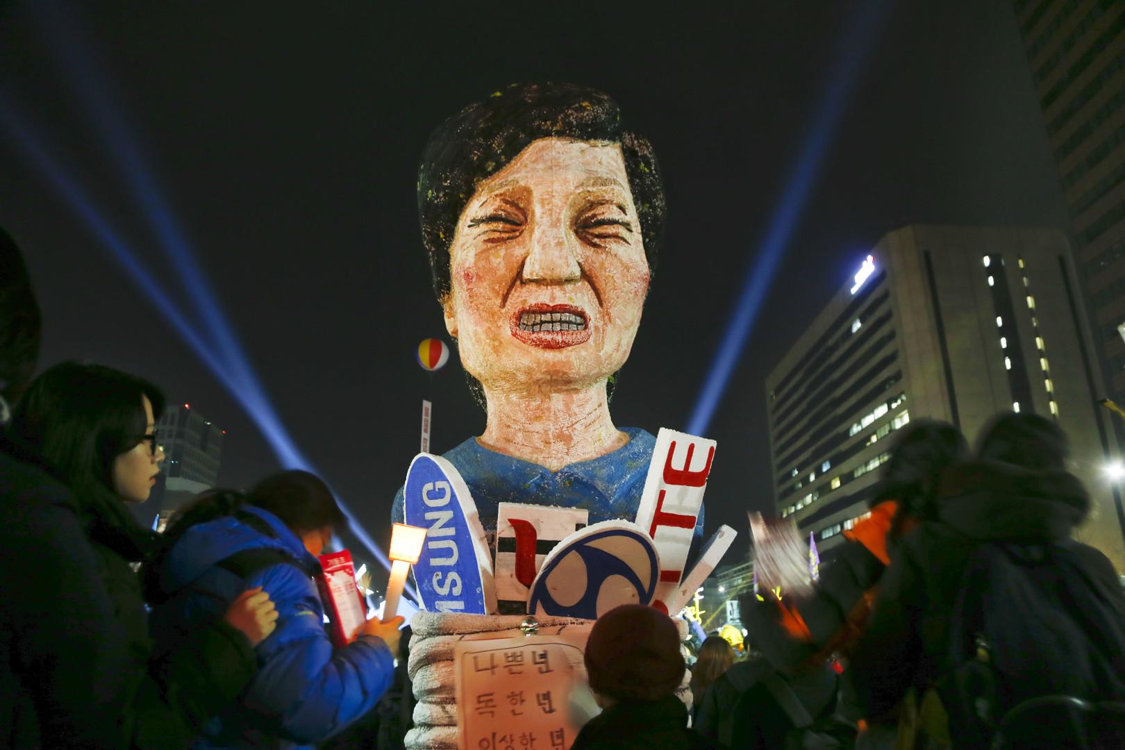 Ненавистный президент: парламент Южной Кореи проголосовал за импичмент Пак Кын Хе