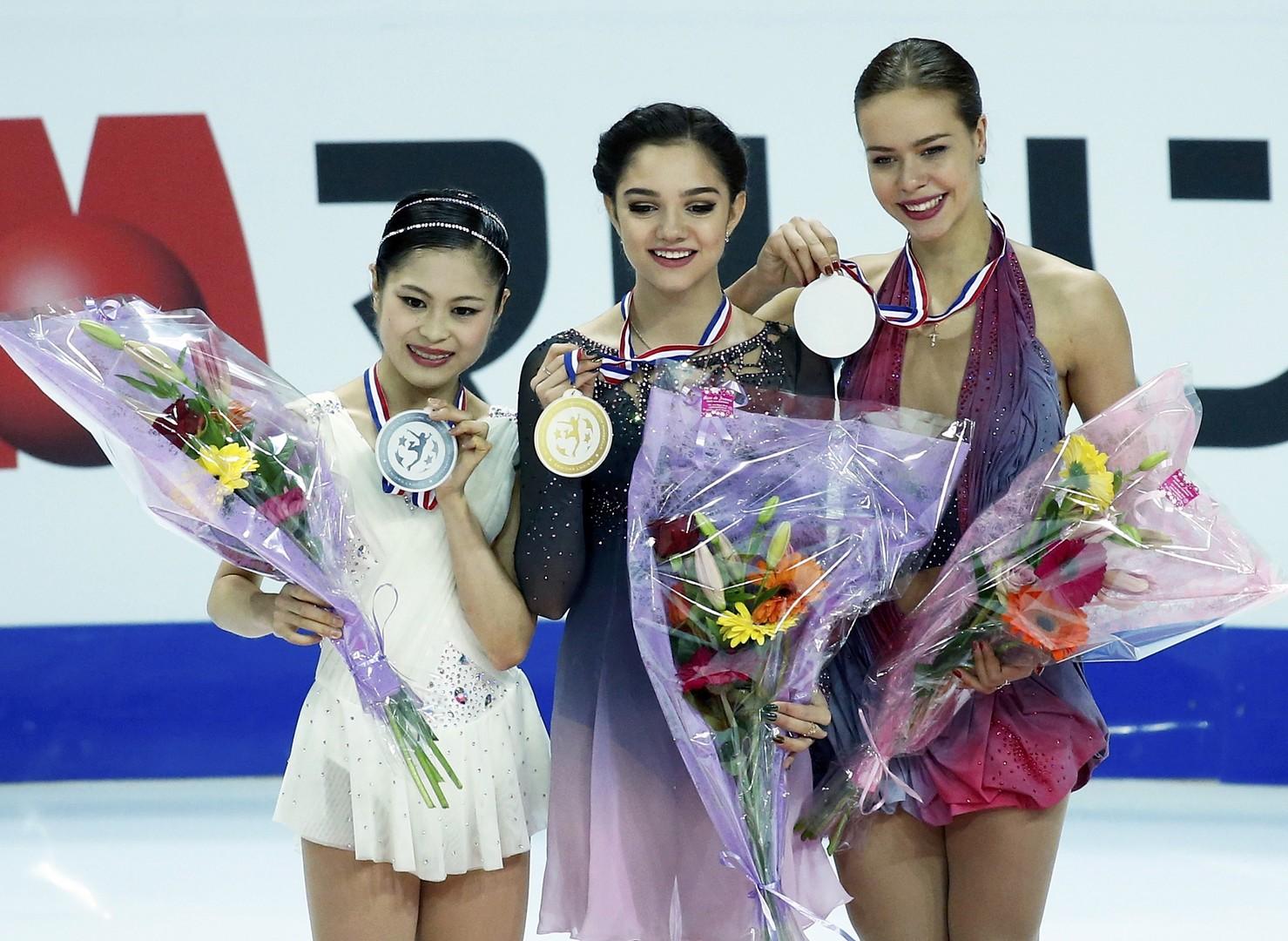 На грани рекорда: Евгения Медведева выиграла финал Гран-при по фигурному катанию